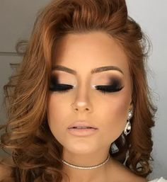 pretty makeup Curso de Maquiagem Andria Venturini - Curso Maquiagem na Web Wedding Hair And Makeup, Bridal Makeup, Hair Makeup, Party Makeup, Glam Makeup Look, Cute Makeup, Sexy Eye Makeup, Awesome Makeup, Glowy Makeup