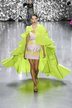 Naeem Khan Spring Summer 2019 Ready-to-Wear Collection – New York