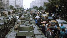 Танки на Калининском проспекте (Новый Арбат). 1991 год
