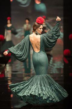 mff                                                                                                                                                                                 More Flamenco Costume, Flamenco Skirt, Flamenco Dresses, Special Dresses, 15 Dresses, Vogue Fashion, Fashion Wear, Cowgirl Style Outfits, Spanish Dress