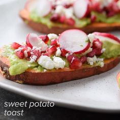 Check out this delicious sweet potato toast! Sweet Potato Recipes Healthy, Healthy Menu, Best Barbecue Sauce, Sweet Potato Toast, Good Food, Yummy Food, Salty Foods, Tasty Kitchen, Vegetarian Lunch