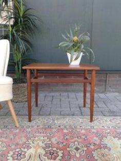 Retro bijzettafel teak houten vintage design tafeltje 50 60