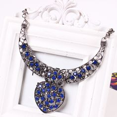 Fashion Alloy Exaggeration Heart Shape Pendant Inlaid Drill Women Ladies Jewelry Necklace