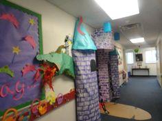 classroom door deco for March | myclassroomideas classroom decorating ideas classroom door decorations