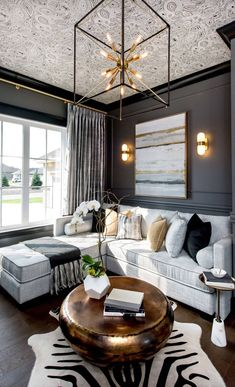 Transitional Living Room Design Ideas – Transitional Decor Done Right. Neutral s… Transitional Living Room Design Ideas – Transitional Decor Living Room Grey, Living Room Interior, Home Interior, Home And Living, Living Room Decor Gold, Cream And Black Living Room, Living Room Layouts, Neutral Living Rooms, Coffee Table Decor Living Room