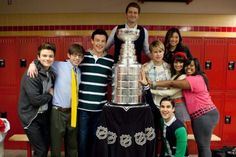 cast with the stanley cup! #glee