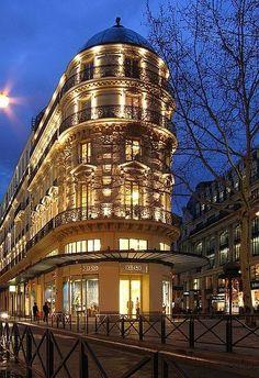 St Germain, Paris mother nature moments