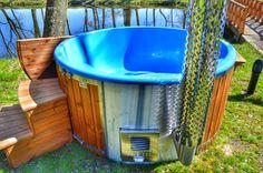 Vedeldad badtunna – jacuzzi i glasfiber | https://www.badtunnaspa.se/ TimberIN MB är ett internationellt företag som producerar och säljer utomhus vedeldade badtunnor och bastu. Vi har mer än 30 olika modeller. Vi erbjuder badtunnor gjorda helt i trä eller med polypropen, glasfiber liners.