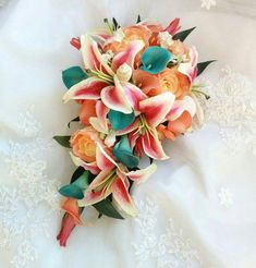 hochzeitsgast rose Wedding Natural Touch Stargazer Lilies Coral Teal Aqua Calla Lilies, Coral Roses Orchids with Seashells accents Silk Cascade Wedding Bouquet Stargazer Lily Bouquet, Stargazer Lily Wedding, Lily Bouquet Wedding, Cascading Wedding Bouquets, Rose Wedding, Calla Lilies, Wedding Ideas, Wedding Themes, Bridal Bouquets
