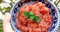 Il gazpacho, tipico dell'Andalusia, è una zuppa fredda a base di pomodori. Ecco la mia versione, perfetta per le calde giornate estive.