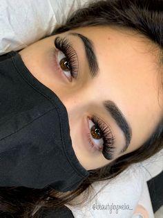 Natural Fake Eyelashes, Perfect Eyelashes, Face Paint Makeup, Hair Makeup, Beauty Lash, Hair Beauty, Cute Makeup, Makeup Looks, Eyelash Extensions Styles