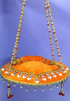Krishna Jhula Design - Janmashtami Decoration Ideas super sweet soft padded version of Janmastami swing Hobbies And Crafts, Diy And Crafts, Arts And Crafts, Crafts For Kids, Diwali Decorations, Festival Decorations, Janmashtami Decoration, Ganapati Decoration, Ladoo Gopal