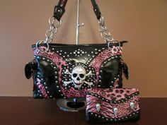 Skull purse. Love it!