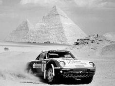 Porsche 959 in the 1985 Paris Dakar  (via Beast 1)