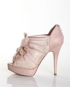 Chinese Laundry Women's Haylie Pump in Blush