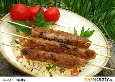 Kebaby z mletého masa recept - TopRecepty.cz Ground Meat Recipes, Barbecue, Sausage, Grilling, Pork, Menu, Treats, Chicken, Cooking