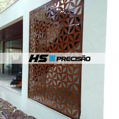 Divisória em Aço Corten projetada, produzida e instalada pela HS Precisão alinhando beleza e segurança. Entre em contato - (61) 3234-9426 ou acesse nosso site - www.hsprecisao.com.br