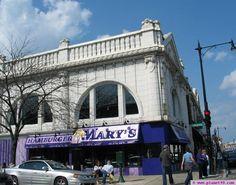 Hamburger Mary's   5400 N Clark, Chicago   773-784-6969