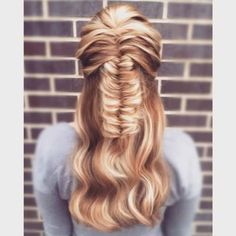 19 Fishtail Hairstyles for that hip look  Hairstyle Monkey Curls For Long Hair, Long Curly Hair, Long Hair Cuts, Fishtail Hairstyles, Braided Hairstyles For Wedding, Hairdos, Braided Updo, Prom Hairstyles, Updos