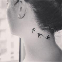 swallow tattoo on neck – Tattoo Designs Swallow Bird Tattoos, Tiny Bird Tattoos, Mini Tattoos, Trendy Tattoos, Body Art Tattoos, New Tattoos, Small Tattoos, Tattoos For Women, Cool Tattoos