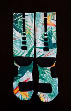 Custom Nike Elite Socks for Lebron 10 Shoes by Thesockgame on Etsy Basketball Shorts Girls, Adidas Basketball Shoes, Buy Basketball, Volleyball, Nike Elite Socks, Nike Socks, Retro Jordans 11, Air Jordans, Socks