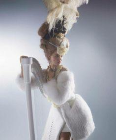 Karl Lagerfeld most Wixsont fotózta Marie Antoinette szerepében… #fashionfave #fashion #karllagerfeld #lindseywixson #marieantoinette #photoshoot #magazine