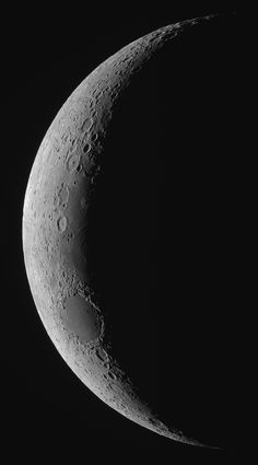 """thedemon-hauntedworld: """"Lunar Crescent by Thierry Legault """" Smoother than my freshly shaved legs Planets Wallpaper, Wallpaper Space, Apple Wallpaper, Black Wallpaper, Galaxy Wallpaper, Iphone Wallpaper, Moon Close Up, Space Artwork, Space Pics"""