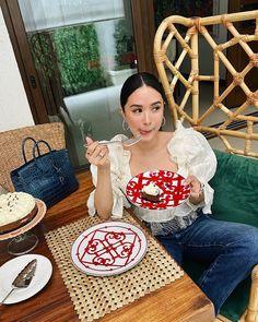 Heart Evangelista sur Instagram : «A good balanced diet. 😋» Heart Evangelista, Balanced Diet, Straw Bag, Bags, Instagram, Fashion, Handbags, Moda, Fashion Styles