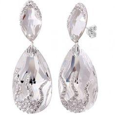Cercei mireasa eleganti cu cristale swarovski http://www.bijuteriifrumoase.ro/cumpara/cercei-mireasa-cu-cristale-swarovski-amanda-4-8-cm-1296Poze Cercei mireasa cu cristale swarovski Amanda 4,8 cm