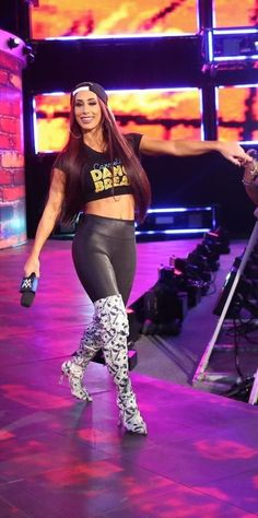 Provehito In Altum Wwe Pictures, Wwe Photos, Wrestling Divas, Women's Wrestling, Hottest Weather Girls, Thea Trinidad, Carmella Wwe, Wwe Outfits, Wwe Sasha Banks