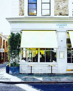 Granger & Co. (@grangerandco) • Instagram-bilder og -videoer Granger And Co, Carnival, Restaurant, London, Outdoor Decor, Instagram, Home Decor, Decoration Home, Room Decor