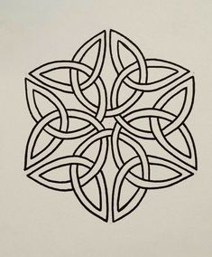 Pin by thomas lassila on celtic cross & knots кельтский узел Celtic Symbols, Celtic Art, Mayan Symbols, Celtic Knots, Egyptian Symbols, Ancient Symbols, Form Drawing, Line Drawing, Stained Glass Patterns