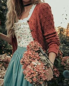 Bohemian Style Outfit - Boho fashion ideas, hippie style clothing Source by snahaba - Look Retro, Look Vintage, Vintage Mode, Vintage Outfits, Vintage Fashion, Vintage Womens Clothing, Vintage Dresses, Bohemian Mode, Boho Chic
