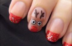 Nail Art natalizie con renne di Babbo Natale #nails