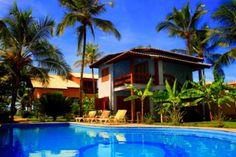 Lindo apartamento rodeado por um amplo e maravilhoso jardim tropical e vista para o mar em Arraial d'Ajuda