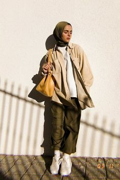 Aesthetic Clothes Mode Hijab Style Casual Ideen Who Wears Big and Tall? Modern Hijab Fashion, Street Hijab Fashion, Hijab Fashion Inspiration, Muslim Fashion, Modest Fashion, Trendy Fashion, Hijab Fashion Summer, Fashion Ideas, Fashion Dresses