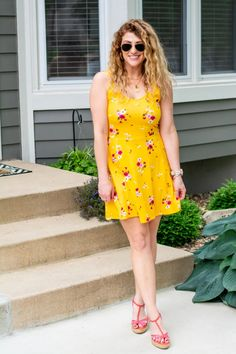 Yellow Floral Skater Dress + Wedges. | Le Stylo Rouge Fashion Group, Only Fashion, Boho Fashion, Fashion Beauty, Girl Fashion, Fashion Dresses, Stylish Dresses, Stylish Outfits, Floral Skater Dress