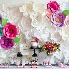 Decoração com flores gigantes para festa de aniversário ⋆ De Frente Para O Mar