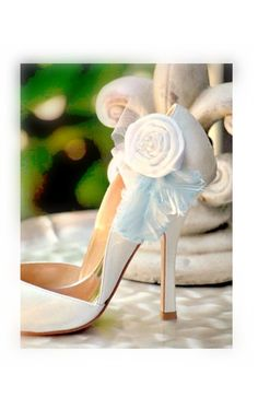 Shoe Clips White or Ivory Pearls Feathers. Handmade par sofisticata, $43.25