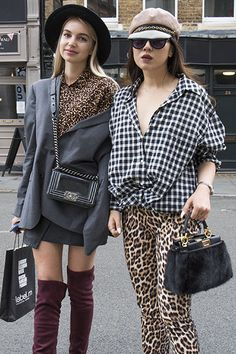 Streets of London: die coolsten Looks von der Fashion Week - maxima Street Look, Street Chic, Street Fashion, Muster Mix Outfits, London Street, Trends, Pattern Mixing, Mixing Prints, Animal Prints