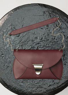 Clutch Chain Bag Handbag in Calfskin - セリーヌについて