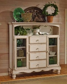 Wilshire Four Drawer Bakers Cabinet - Antique White - Hillsdale