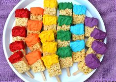 Rice Krispies Paint Brushes - for Aaden's Paw Patrol party - Rocky's Recycled Paint Brushes! Art Birthday, Rainbow Birthday, Birthday Parties, Birthday Ideas, Rice Krispies, Rice Crispy Treats, Krispie Treats, Art Themed Party, Themed Parties