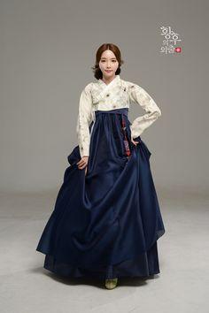 Korean Culture Fashion- Appreciate the Hanbok Korean Traditional Clothes, Traditional Fashion, Traditional Dresses, Korean Dress, Korean Outfits, Korean Fashion Trends, Asian Fashion, Hanbok Wedding, Modern Hanbok