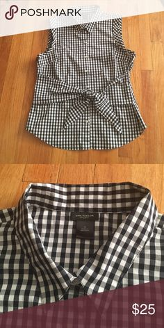Ann Taylor buffalo plaid gingham top Ann Taylor black and white gingham buffalo plaid too. nice fabric with a good amount of stretch in it. Size 16 fits XL. No trades. Ann Taylor Tops