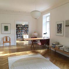 """225 likerklikk, 7 kommentarer – Anne Dubois Aarsland (@anne_aarsland) på Instagram: """"Home. Light. #artisthome #home #homeoffice # Office #contemporaryart #contemporarypainting…"""""""