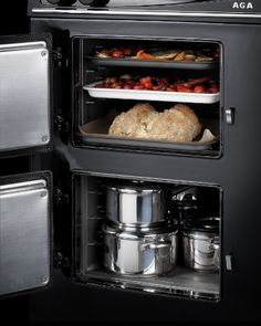 The AGA 60 couldn't be easier to use. With one control knob for the hotplates and another for the ovens, the cooker has been designed with simplicity in mind. The AGA roasting/baking oven can be programmed and can have up to three events programme Best Cooker, Aga Cooker, Oven Cooker, Aga Oven, Aga Recipes, Aga Kitchen, Aga Range, Oven Canning, How To Cook Fish