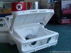 '64 Chevy Pickup Fleetside – Revell kit – hood hinges [6]