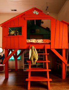 Self-made tree-house-bed/fort (inside) Cubby Houses, Play Houses, Kid Beds, Bunk Beds, House Beds, Kids Bed House, House Roof, Kid Spaces, My New Room