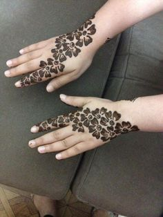 SHAHNAZ BEAUTY SERVICES Mehndi Designs For Kids, Rose Mehndi Designs, Simple Arabic Mehndi Designs, Stylish Mehndi Designs, Mehndi Design Pictures, Mehndi Simple, Wedding Mehndi Designs, Beautiful Henna Designs, Latest Mehndi Designs